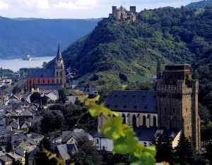 The Lorelei Valley: Oberwesel Castle and Schönburg Mountain