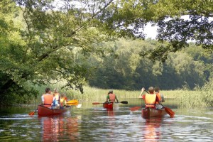 The Lauenburg Lakes-Trave canoe trail runs from Lake Pipersee via Lake Ratzeburg and along the Wakenitz river into the historic centre of Lübeck.
