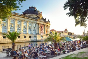 Berlin/Spree, beach bar, Bode Museum