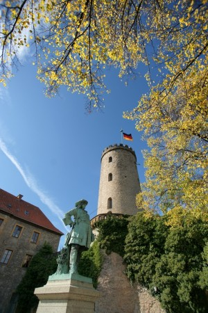 Bielefeld/East Westphalia-Lippe: Sparrenburg Castle (pre-1250) with statue of the Great Elector of Ravensberg