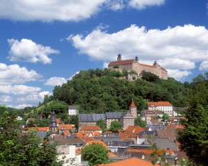 Kulmbach/Upper Franconia: view of the old quarter and Plassenburg Castle