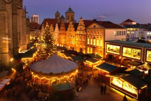 Osnabrück: historical Christmas market, in the evening
